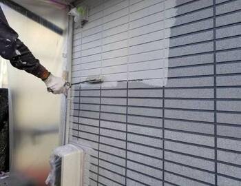 玄関まわり下塗り塗布